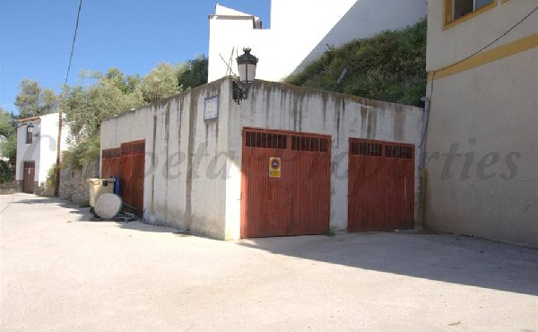 Garage in Cómpeta