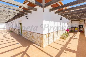 Apartment in Canillas De Albaida