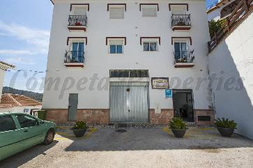 Apartment in Canillas De Albaida